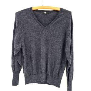 Uniqlo Pure Wool Light Soft V-neck Sweater